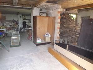 garáž po