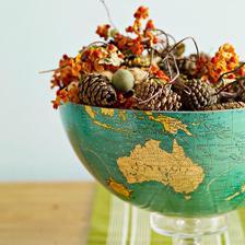 stary globus ako misa pre jesenne dekoracie