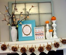 stare okno - paradne pozadie k vyzdobe a zasa svietniky a tekvice