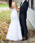 Snehobiele svadobné šaty s odhaleným chrbtom, 38