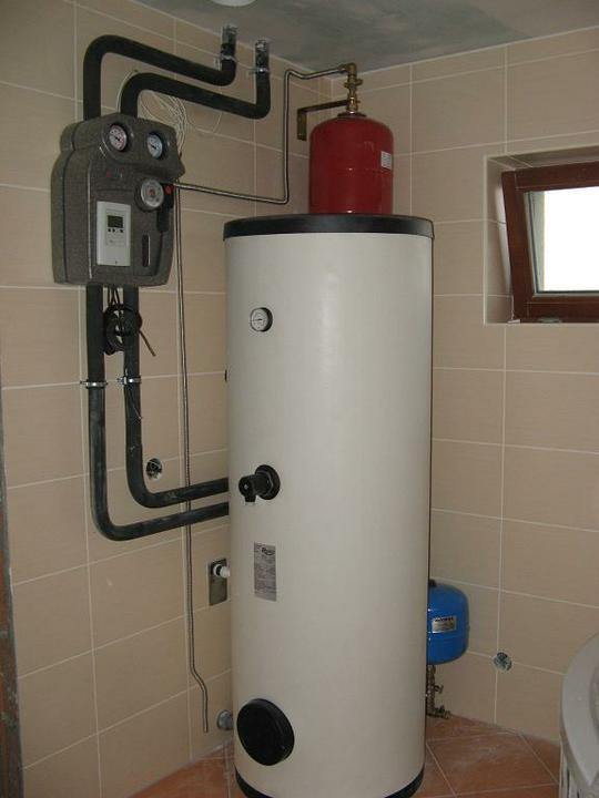 Pasivní dům - naše stodůlka - Zásobník na vodu - Regulus 300