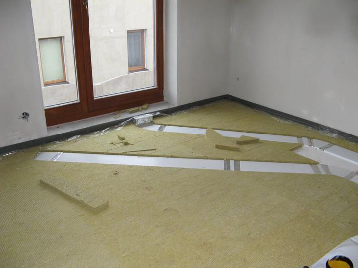 Pasivní dům - naše stodůlka - Rekuperace a kročejova izolace v podkroví