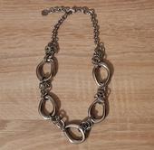 náhrdelník Tommy Hilfiger - luxusná bižu,