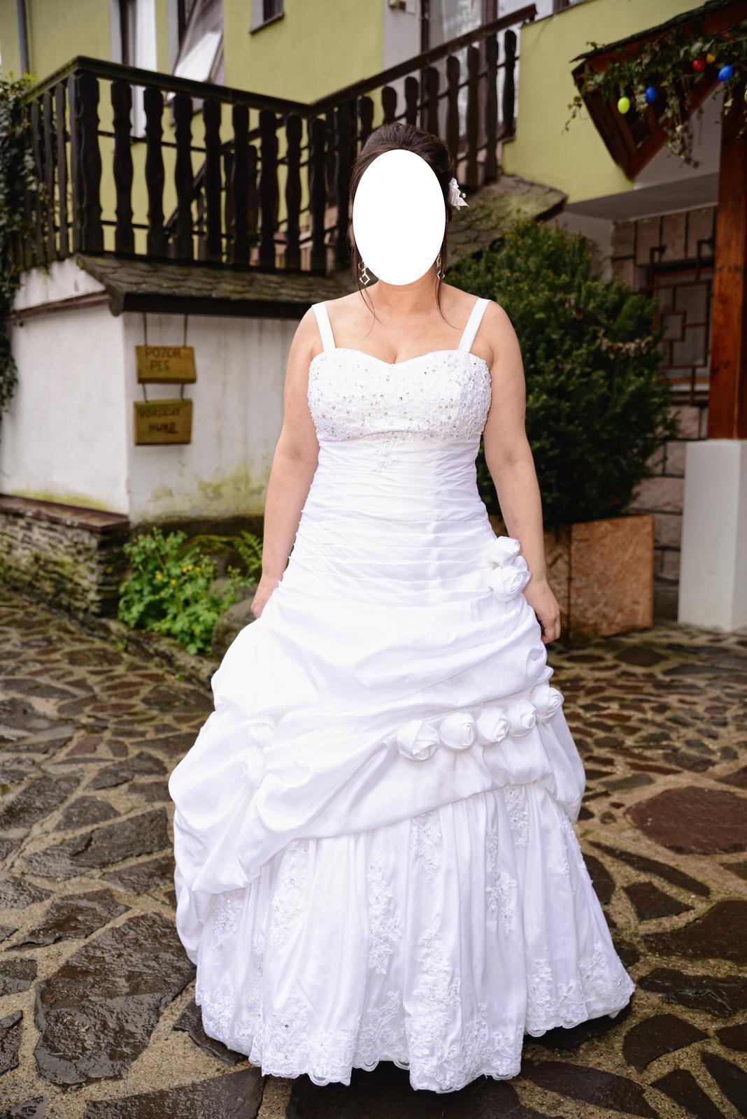 Romantické svadobné šaty s bolerkom - Obrázok č. 2
