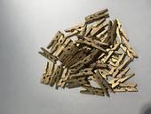 zlaté štipce 49 kusov,