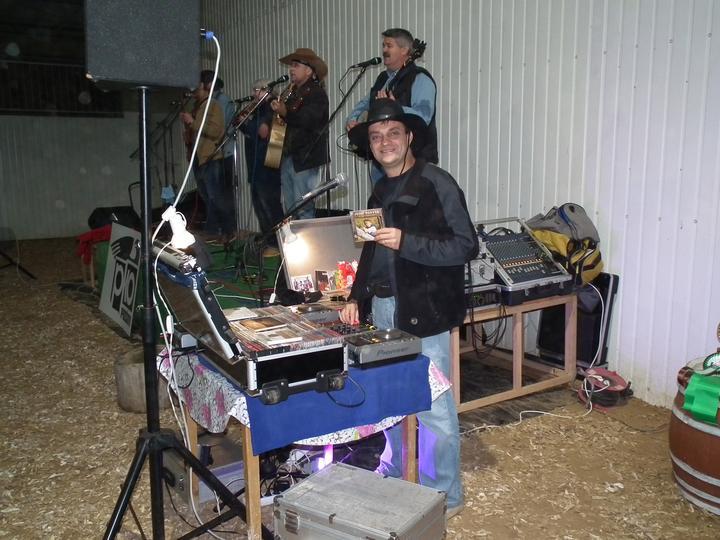 f965b8766 DJ na svadbu - DJ & harmonikár skvelá kombinácia na svadbu - Dj v ...