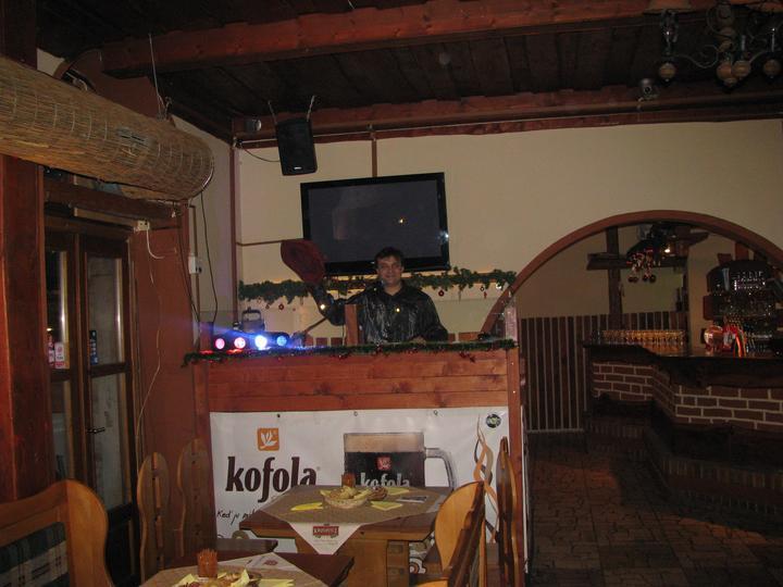 f7c3b6e47 DJ na svadbu - DJ & harmonikár skvelá kombinácia na svadbu ...