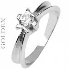 můj zásnubní prstýnek :-) je nádherný...