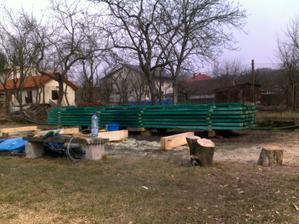 pripravené drevo na strechu:-))))