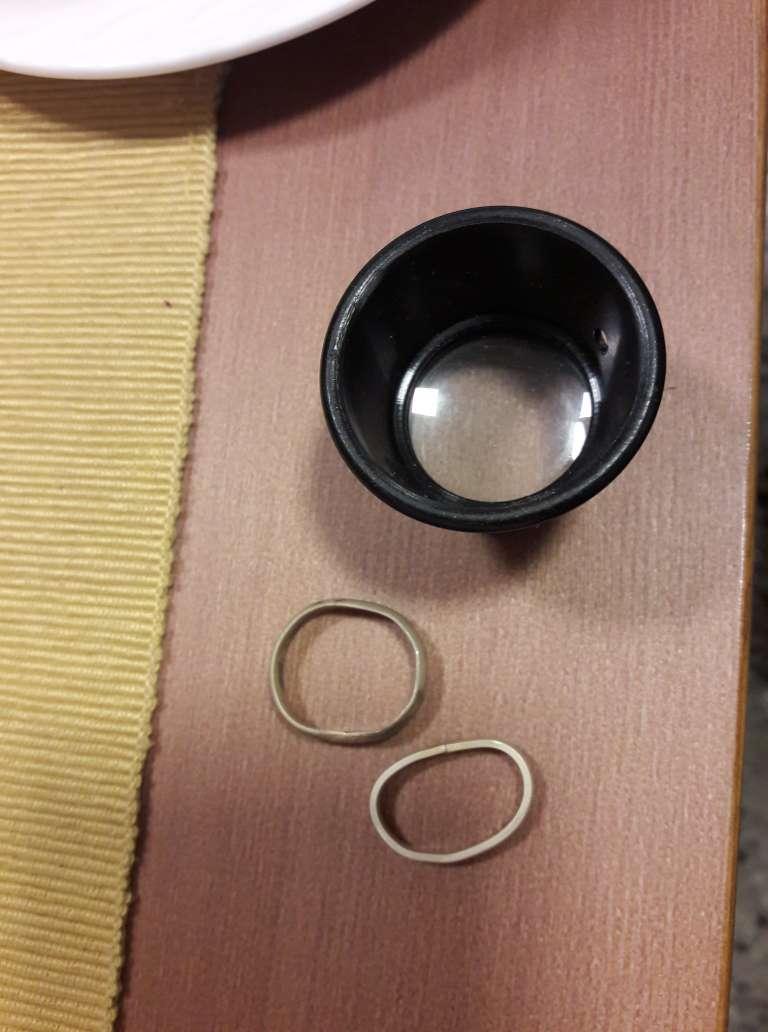 Přípravy <3 - Snubní prstýnky jsme si vyráběli sami navzájem v rámci kurzu. A musíme říct, že jsme si to skvěle užili.