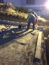 9.9.2018 - Sused z detstva co stava na opacnom konci mesta mal na dnes fajront, tak prisiel pozriet a trosku pomoct :)