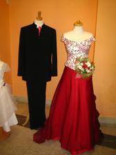 7.kompletně i s oblekem pro ženicha