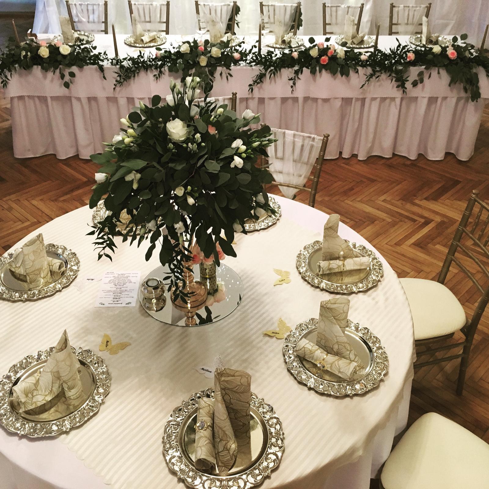 Chiavari stolickY, ghost stolicky, okrúhle stoly, dekoracie - Obrázok č. 5