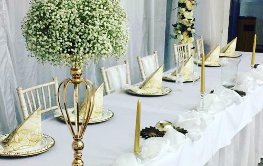 Chiavari stolickY, ghost stolicky, okrúhle stoly, dekoracie - Obrázok č. 7