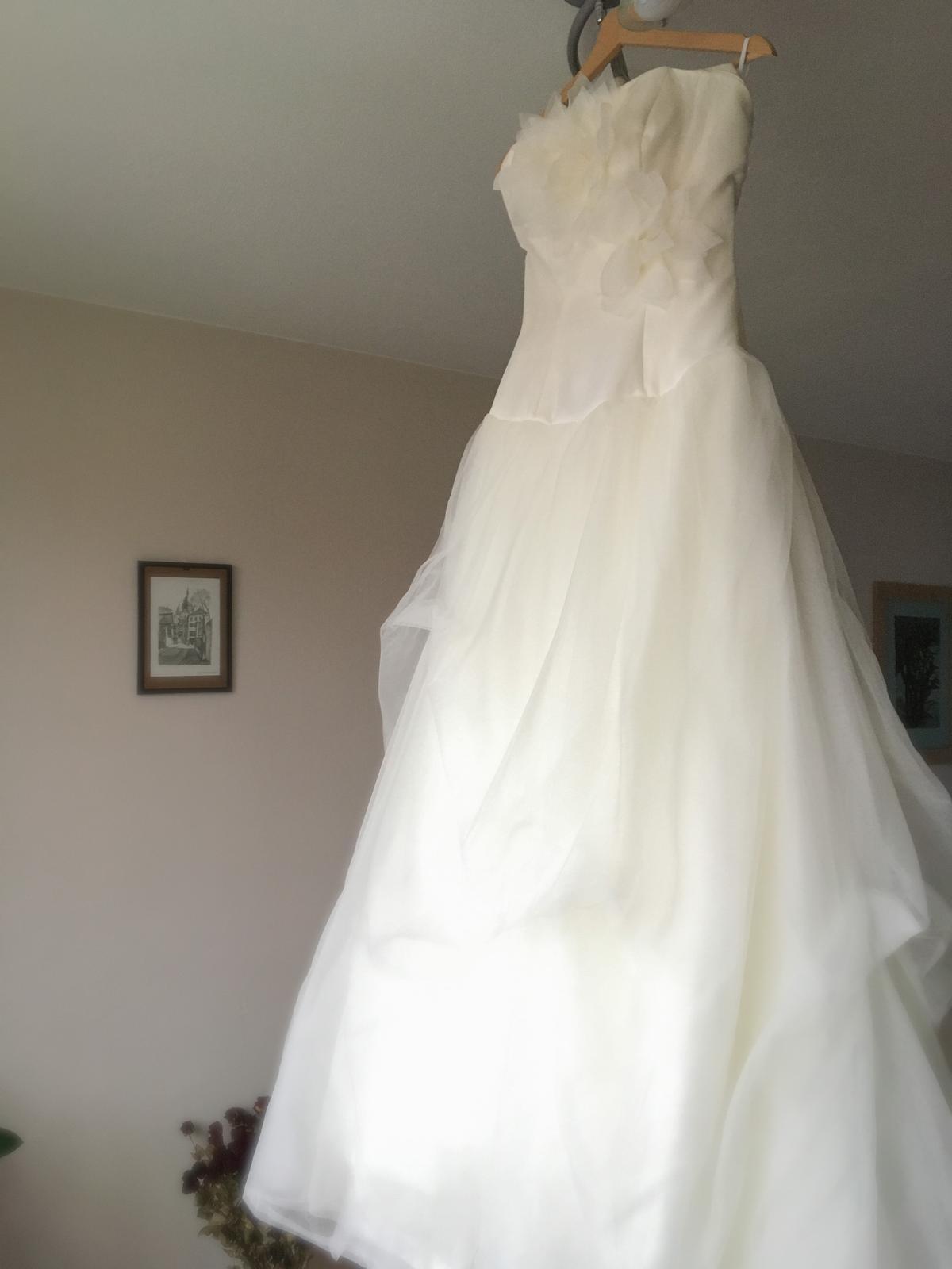 Svatební šaty Jesus Peiro 34-36 - Obrázek č. 1