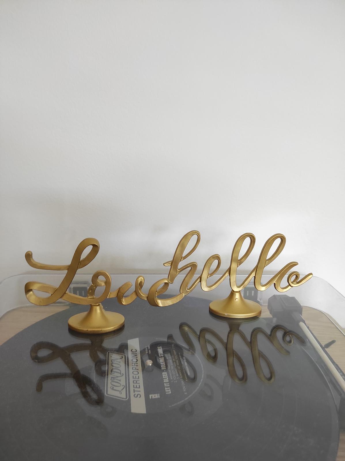 Zlaté kovové nápisy hello/love - Obrázek č. 1