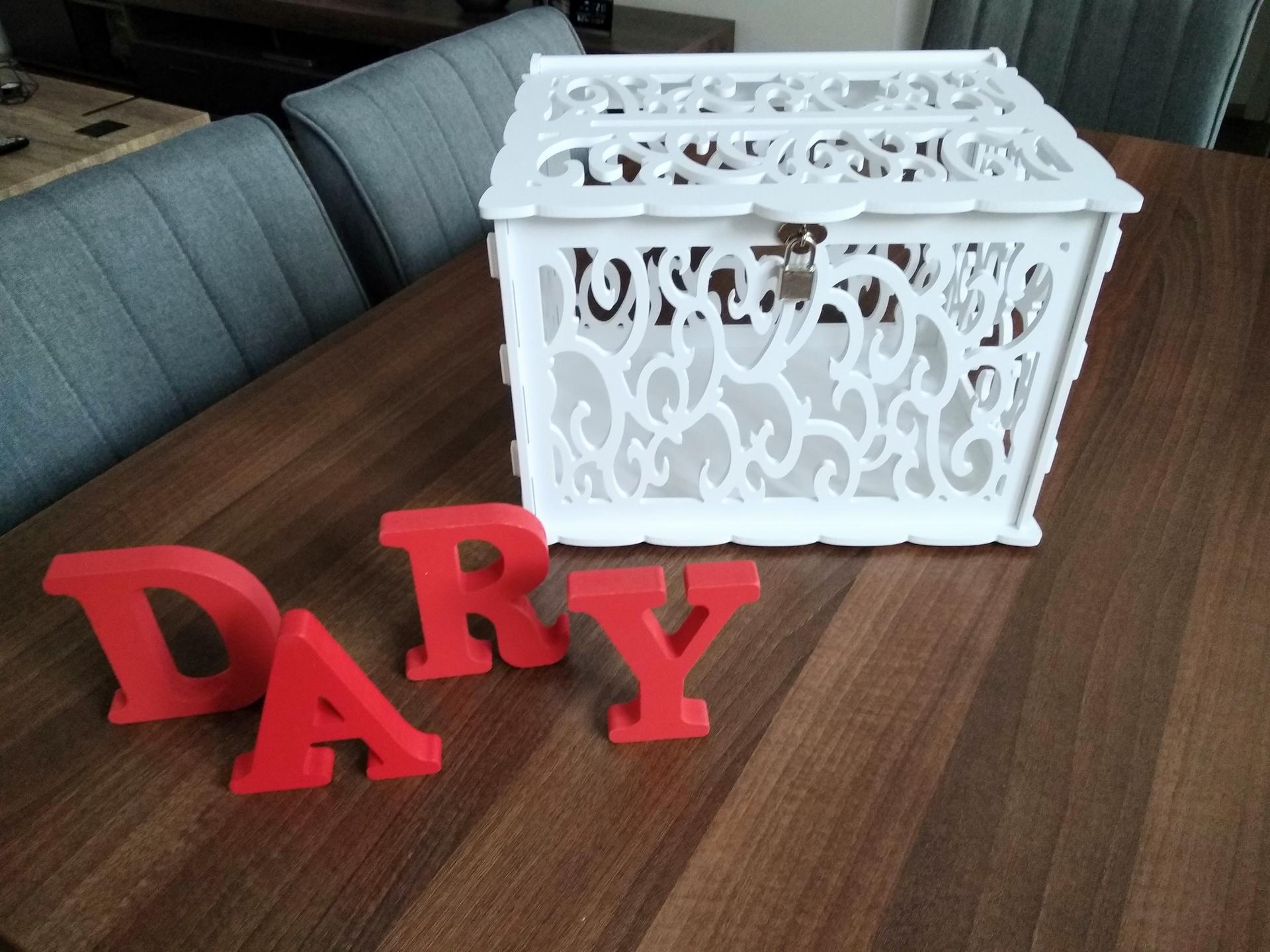 Svatební přípravy - Na dary a přání. Truhlička má i zámek. Po svatbě budu také prodávat 🙂