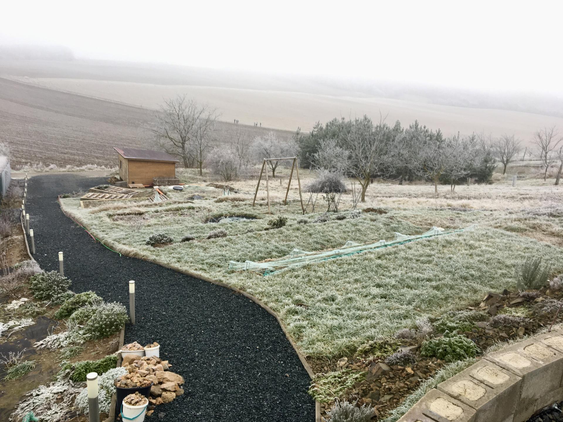 Skřítčí zahrada 2021 - Leden 2021 - pořádná jinovatka
