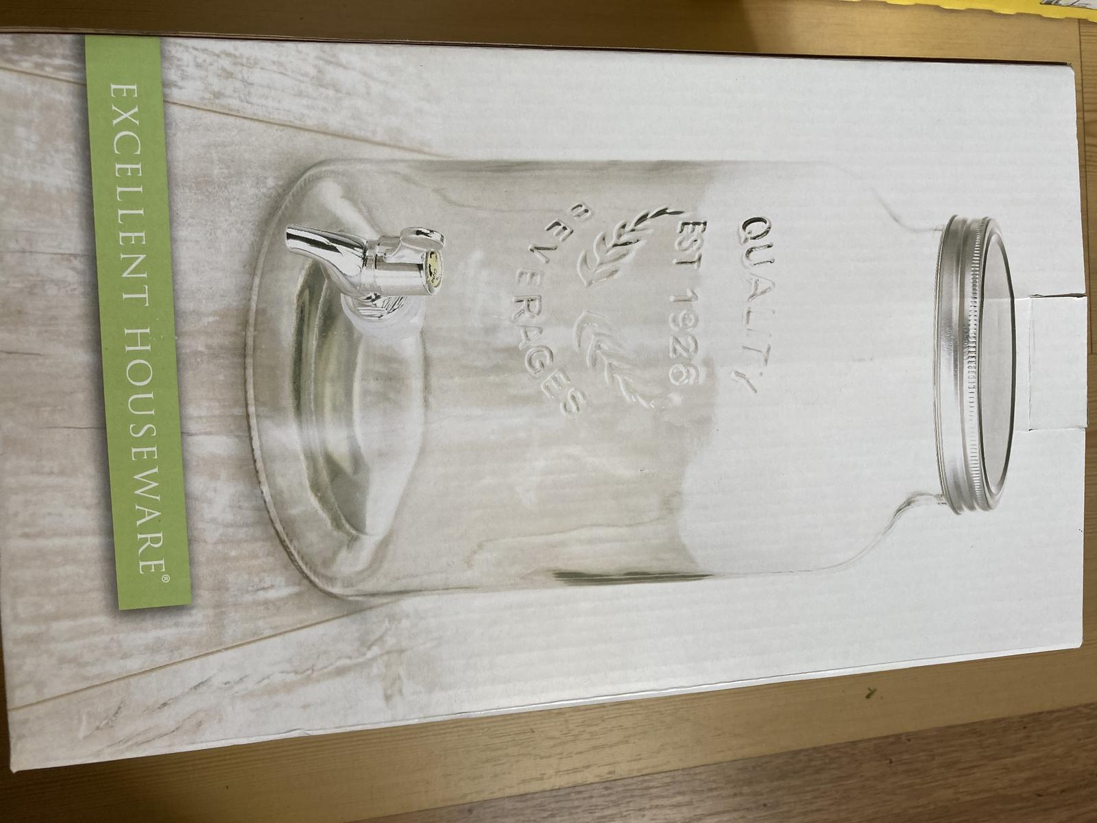 velké sklenice na vodu s kohoutkem - Obrázek č. 1
