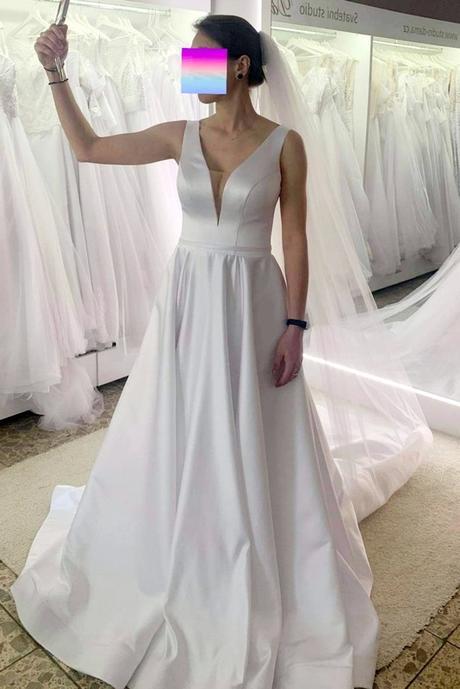Svatební šaty s kapsami - Obrázek č. 1