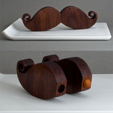 Chuť na design alebo jednoduchosti sa medze nekladú - Fúzatá soľnička a korenička :-)