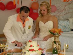 rozdávání dortíku