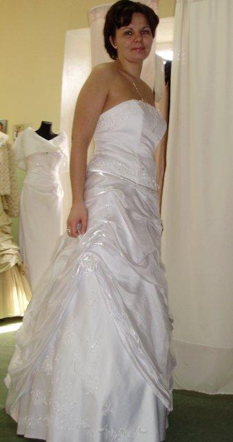 Náš krásny deň 08.05.2010 - každé šaty mali niečo do seba.....