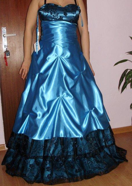Náš krásny deň 08.05.2010 - takéto šaty budem mať.....