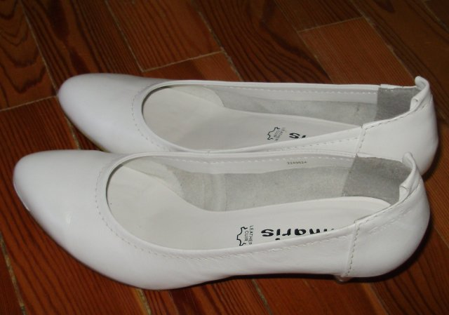 Náš krásny deň 08.05.2010 - dnes som si konečne kúpila svadobné topánočky......