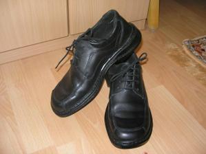 už aj topánočky má :o)