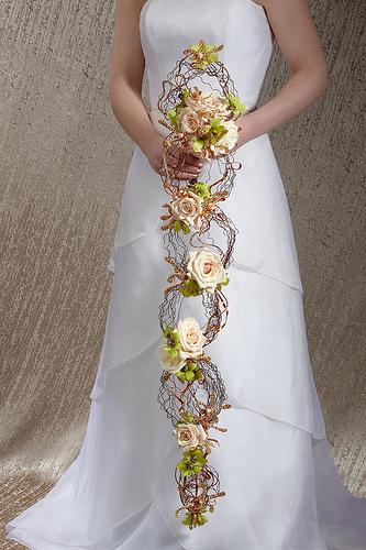 (Ne)tradičné svadobné kytice - môže byť....len v inej farbe by bola lepšia :)