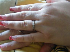 zasnubni prstynek - zasnuby probehli 5.5.010 v 00:00 v den naseho 4.leteho vyroci:-))