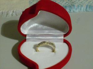 Prstienok,ktorý mi daroval môj macko na zásnuby 19.9.2010