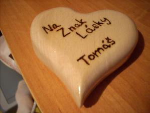 Nádherné z lásky darované ručne vyrábané srdiečko od mojej lásky :) Milujem hooo :)