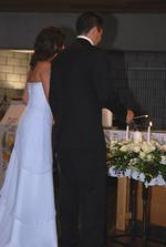 zapalovani svicek v kostele
