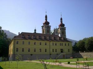 Ani hejnický kostel není ošklivý. a není tak daleko jako frýdlantský.:)
