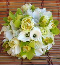 Tyhlety zelené orchideje jsou nádherné!Uvidím, jestli si to rozmyslím a přece jen jim dám přednost před růžemi.