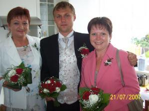 ještě kytičky pro maminky a nevěstu :)