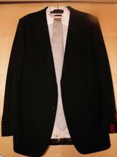 Tomův svatební oblek