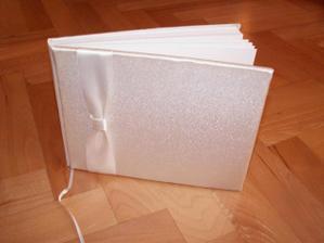 svatevní kniha hostů dnes zakoupená v Cymbeline Paris v Ječné