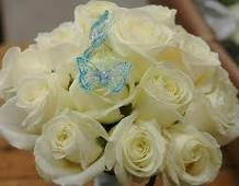 like these little butterflies in the bouquet and co- ordinates with my blue theme