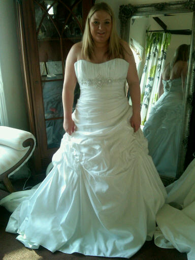 Me in my dress. :) - Obrázok č. 1
