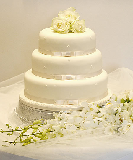 Yummy cakes! :) - with mini sugar flowers like this on top. (much smaller than these flowers)