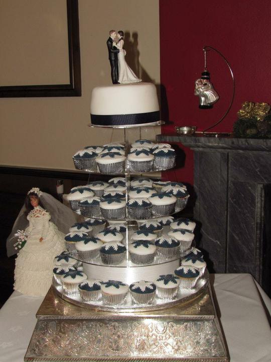 Sarah Simmonds{{_AND_}}Jon Friedman - Our cake