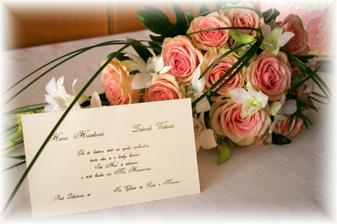 Naše oznámení a svatební kytice