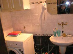 Skrinka pojde preč a nad pračku pojde ina...aj vedla pračky-vysoka