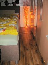 podlahy budeme meniť ešte v celom byte za palvajuce...:-)
