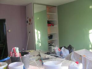 a možeme pomaly upratovať,cez vikend sa poklada podlaha :-)