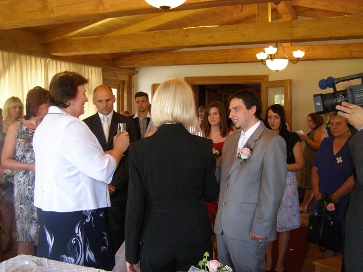Veronika Hlavsová{{_AND_}}Honza Valeš - přípitek