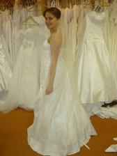 ...ale já si tak nějak myslím, že by nevěsta měla mít pouze jedny jediný svatební...